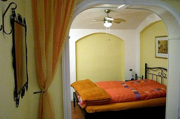 ferienwohnung franziska w nsche wohnung 2 110365 ferienwohnung dresden. Black Bedroom Furniture Sets. Home Design Ideas