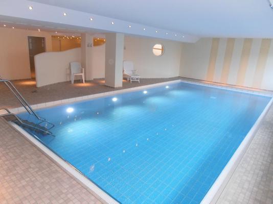 Modernes appartement mit schwimmbad haus nordland for Hotel munster mit schwimmbad