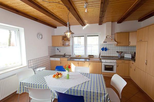 ferienhof r gen haus siebenschl fer 15159 ferienhaus dreschvitz. Black Bedroom Furniture Sets. Home Design Ideas