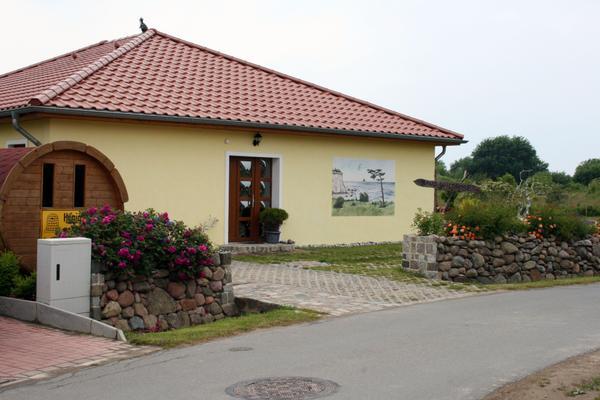 Haus Wildrose Ferienwohnung Dranske
