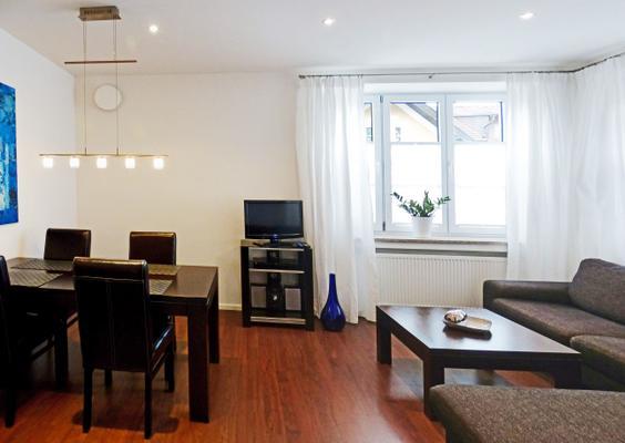 ferienwohnung am kurpark wohnung 1 60qm 102800 ferienwohnung garmisch partenkirchen. Black Bedroom Furniture Sets. Home Design Ideas