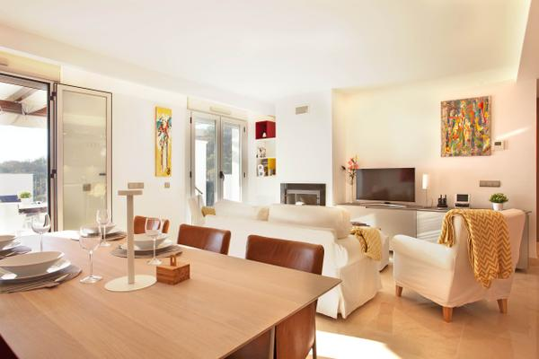 luxus penthouse in nat rlicher umgebung 1015708 ferienwohnung oj n. Black Bedroom Furniture Sets. Home Design Ideas