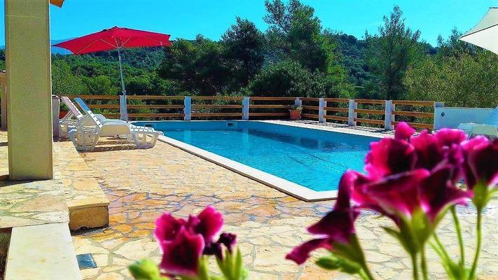 Ferienhaus Villa Matea, für 10 Personen, mit Pool, Garten und ...