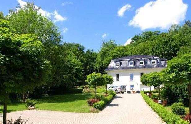 Weißes Haus am Kurpark, Fewo Bergblick - Bad Suderode