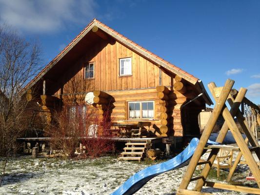 Naturstammhaus Kamin Sauna Wlan - Siptenfelde