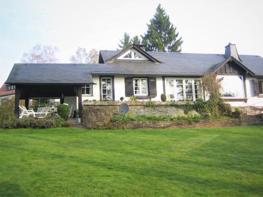 Gemütliches Cottage mit Seeblick und großem Garten - Langscheid-Sorpesee