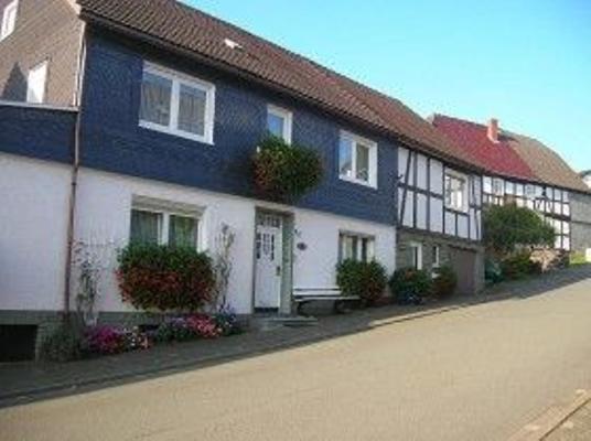 Haus Cappel, Ferienwohnung B - Hallenberg