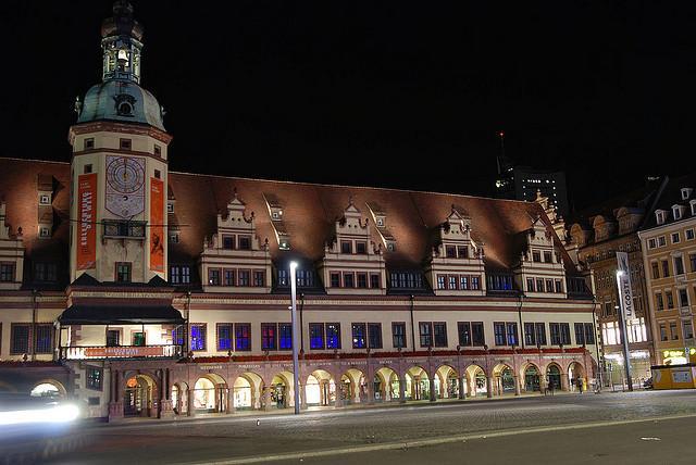 Das alte Rathaus am Abend