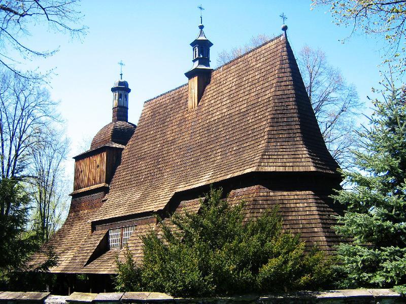 Drewniany kościół w Sękowej