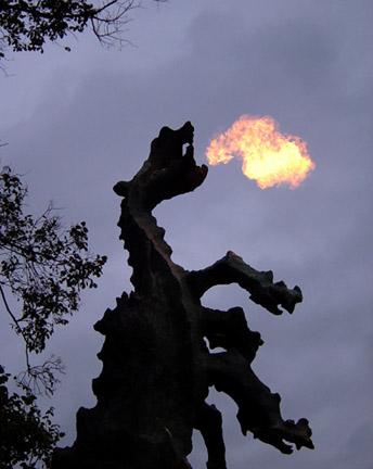 Wawel-Drache spuckt Feuer