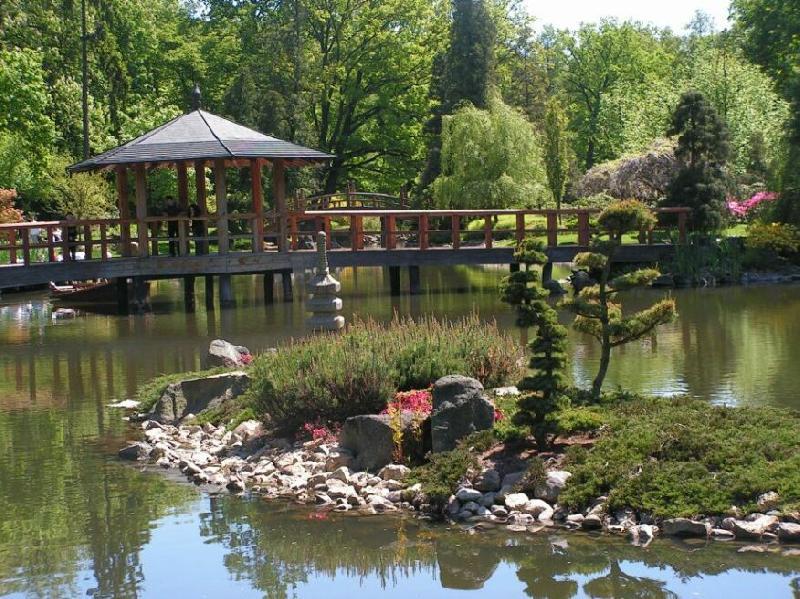 Japanischer Garten in Breslau in der Nähe der Jahrhunderthalle