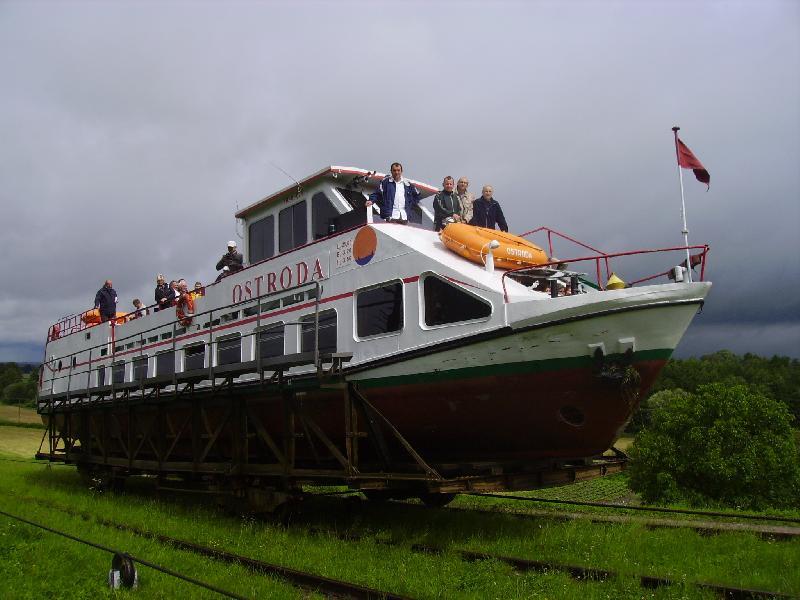 Boottransport auf Schienen - Oberländischer Kanal