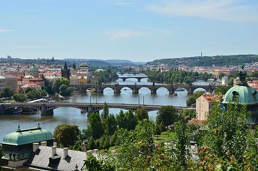 Blick über die Moldaubrücken
