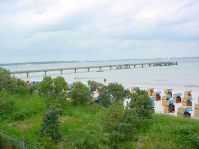 Die Seebrücke bietet einen herrlichen Ausblick auf Strand und Meer