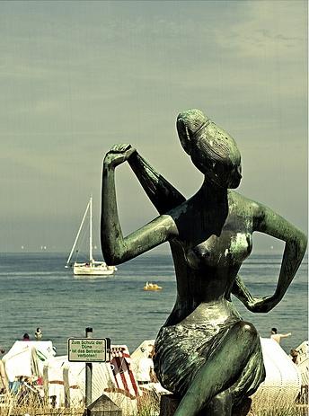 Skulptur an der Promenade