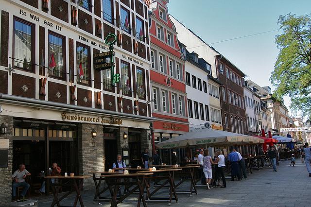Die längste Theke der Welt in der Düsseldorfer Altstadt