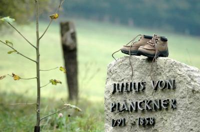 Denkmal für den ersten Rennsteig-Wanderer