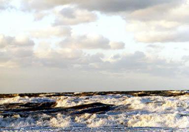 Aufbrausendes_Meer