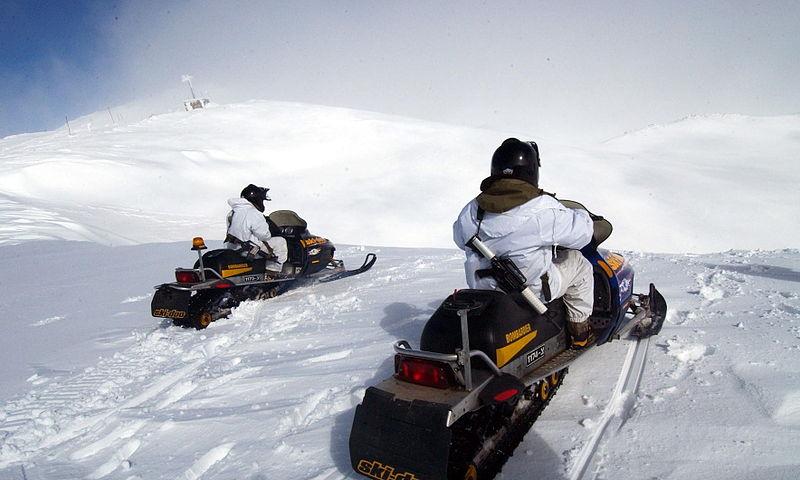 Schneemobil fahren
