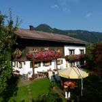 Gästehaus Caser. Ferienwohnung - Obermaiselstein
