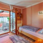 Gäste/- Kinderzimmer, Bett, Babybett, Hochstuhl