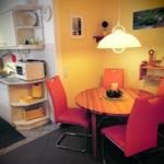 Apartment Nr.2 für 2 - 4 Personen mit 76 m², die Essecke im Wohnzimmer