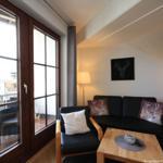 Wohn- /Essbereich mit Schlafsofa und Küche