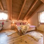 große gemütliche Schlafzimmer mit Fußbodenheizung