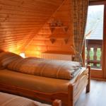 Schlazimmer mit zwei Einzelbetten