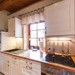 offene und hochwertige Küche