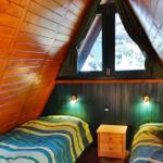 Zwei Betten im Giebelzimmer
