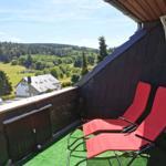 Wunderschöner Weitblick - 2 Liegestühle erwarten Sie auf dem nicht einsehbaren Balkon