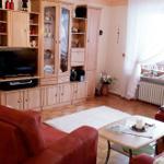 Wohnzimmer mit Sat-TV, DVD- u. CD-Spieler, Radio und kostenfreies Internet/WLAN