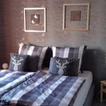 Neu renoviertes Schlafzimmer mit Boxspringbett 1.80x2.00m.