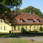 Gut Rattelvitz Parterre A, hochwertig, Sauna, Kamin, eTankstelle, Spielscheune, 15.000qm Parkland - Rattelvitz