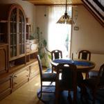 Wohnzimmer mit Terassen-Ausgang