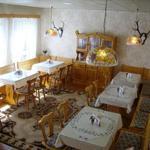 Frühstücksraum der Pension mit Teeküche für die Gäste