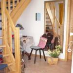 Flur zum Badezimmer und Treppenaufgang,Schlaf-Wohnbereich