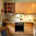 Die Hexenküche ist voll ausgestattet, einschließlich Geschirrspüler.