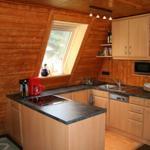 Offene Küche mit Seeblick
