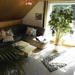 Wohnzimmer mit großen Flachbildschirm