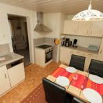 Einbauküche mit Eßecke Die Küche ist komplett eingerichtet,Cerankochfeld, Backofen, Senseo, Kaffeemaschine