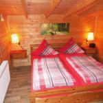 Schlafzimmer mit 1,80 m breiten Doppelbett