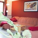 gemütliches Sofa mit Schlaffunktion (bei Bedarf)