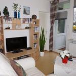 App. 2: Ansprechend eingerichtertes Wohnzimmer mit viel Komfort
