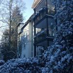 Wohnanlage von aussen im Winter