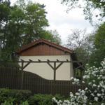 Ferienhaus- Ostgiebel mit vorgelagerter Sonnenterasse