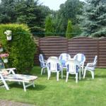 Garten mit Gartenmöbel