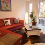 Die Couch mit Blick auf die Terrasse