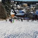Blick von der Skiwiese auf das Grundstück (links) 05.01.2017